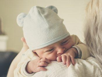 Zatwardzenie u niemowlaka – jak sobie z nim radzić?