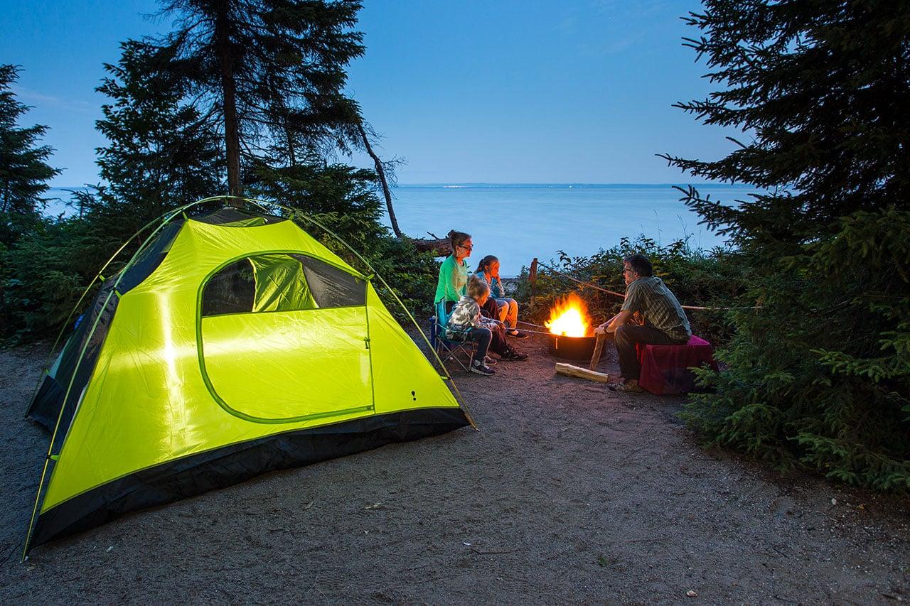 Latarki campingowe – idealne na wakacje z dzieckiem!